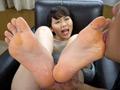 女の臭い足舐め 7