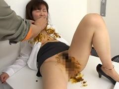 運送会社『大塚急便』 女子社員たちの休日社内脱糞