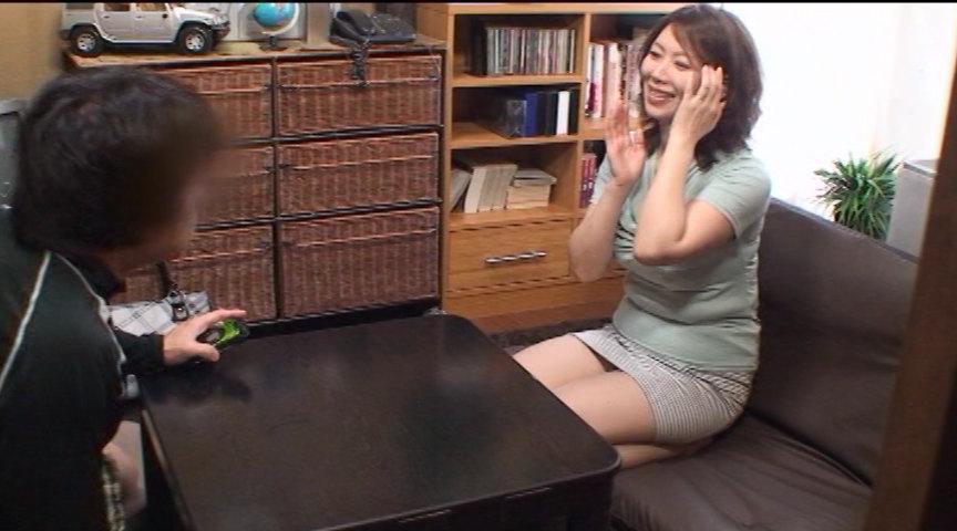 有名熟女AV女優が、あなたのお宅訪問します。