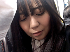 本物の痴漢現場へ潜入2 〜完全素人の盗撮映像〜