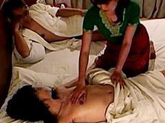 【エロ動画】欲情MAX!夫婦で受ける性感マッサージのエロ画像