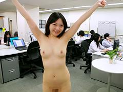 クンニ動画|オフィスで露出! パンスト美脚なOLたち