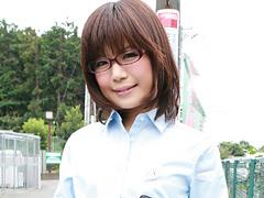 クンニ動画|メガネの似合う知的美女10人がアヘッちゃってる映像