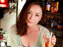 【エロ動画】日本全国 ヤレる美人ママがいるスナック1 北千住篇のエロ画像