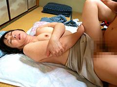【エロ動画】ひとり暮らしするお婆ちゃんの家に泊まりに行こうの人妻・熟女エロ画像