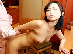 【エロ動画】小料理屋を営む美人母娘をまとめてヤリ倒したい1のエロ画像