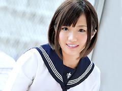 【エロ動画】初心なイノセント美少女AVデビュー 荒川美余 18歳のエロ画像