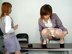 背徳のオフィスと匂う女