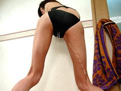 競泳娘のビチビチ尿音