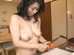 【エロ動画】裸の主婦 浜野美和(38) 世田谷区在住のエロ画像