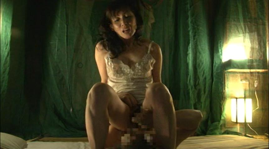 これが噂の素人わけあり熟女生中出し 5時間熟した肉体を犯す の画像6