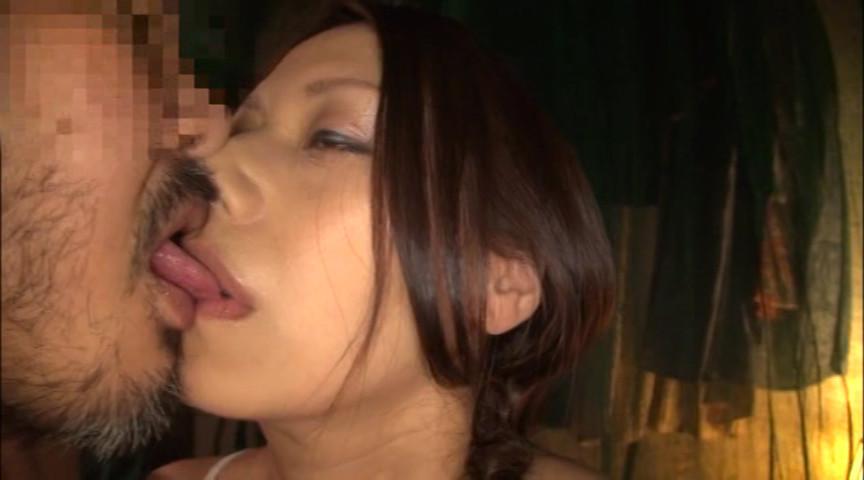 これが噂の素人わけあり熟女生中出し 5時間熟した肉体を犯す の画像9