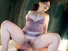 【エロ動画】素人わけあり熟女生中出し115 米倉里美 45歳のエロ画像