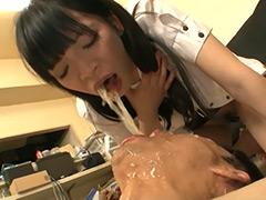 瀬戸友里亜:人間崩壊シリーズ32 ゲロスカ痴女 M男強制食糞の宴3