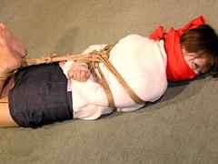 【エロ動画】赤いさるぐつわのエロ画像