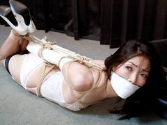 長谷川葵 -セレブ人妻誘拐監禁- 全篇