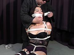 【エロ動画】筒美かえで ‐囚われた黒い下着の熟女‐ 全篇