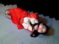 【エロ動画】烏丸まどか ‐赤長襦袢熟女悶縛‐ 全篇のエロ画像