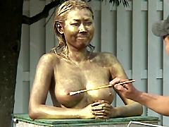 後藤ゆりかクンニ動画|裸で銅像になりきって街角羞恥露出