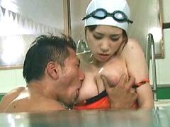 名門スイミングスクール美人コーチ