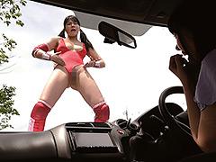 【エロ動画】女子プロレスラーがハイグレ人間にされちゃった!?のエロ画像