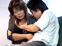 【エロ動画】親子姦通 北原祐希の人妻・熟女エロ画像