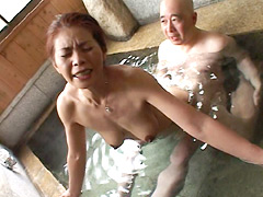 【エロ動画】巨乳人妻 道後温泉不倫旅行 清水しほ 42歳のエロ画像