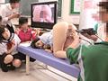 男女が体の違いを全裸になって学習する共学高校3