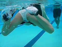 ウェット&メッシー:冬服潜水競技