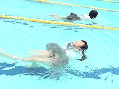 ウェット&メッシー:夏服50M(4人同時)