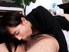 【エロ動画】シックスナインでセルフイラマチオのエロ画像