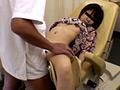 密室で行われる凌辱診療