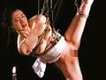 希代の緊縛SM女優「川上ゆう」が織りなす縛りと責め!かつてない残酷な運命を辿る女郎「おゆう」。儚い恋心を神は聞き入れはしなかった…。今、縛られ女郎の数奇な運命の幕が下りる!縛られ女郎おゆう、遂に完結!(S&Mスナイパー)