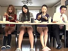 【エロ動画】半裸ライフのエロ画像