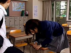 【エロ動画】好きでもない女に土下座されて中出しさせられたボクのエロ画像