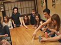 新入生コンパで盛り上がる居酒屋で初めての王様ゲーム 12