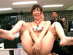【エロ動画】美咲みゆ SOD社内で超羞恥赤面公開SEX祭りのエロ画像