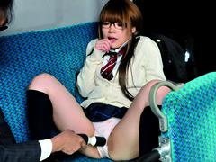 【エロ動画】十代ドM女子校生を音の鳴らない電マで4回イカせる!のエロ画像