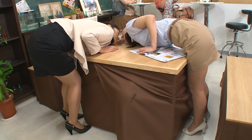 壁!机!椅子!から飛び出る生チ○ポが人気のお店 『喫茶しゃぶりながら』…さらにハメながら の画像12