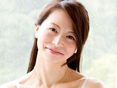 白い肌で淫靡な肢体の人妻 井上綾子 44歳 AV Debut
