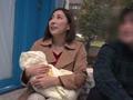 素人・AV人気企画・女子校生・ギャル サンプル動画:マジックミラー号 心優しい子持ちのママが素股奉仕5