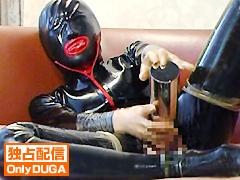 シュルレエル コンドームラバーマスクとキャットスーツ