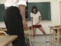 教室で1人勉強していると、ソソるブルマー女子が現れた