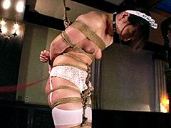 【エロ動画】皮膚が裂けるくらい壮絶な一本鞭のエロ画像