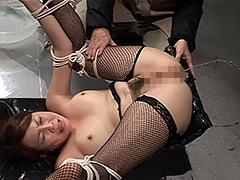 【エロ動画】まんぐり返してアナル責め浣腸のエロ画像