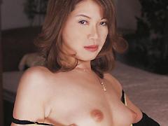 【エロ動画】情事に耽る母子 赤坂順子のエロ画像