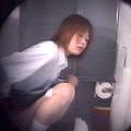 女子○校体育館トイレ盗撮3