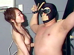 全裸 痴女王様 くすぐり精液搾りの刑1
