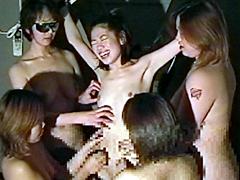 女スパイ拷問 くすぐり笑い地獄の刑65