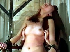 女スパイ拷問 くすぐり笑い地獄の刑13